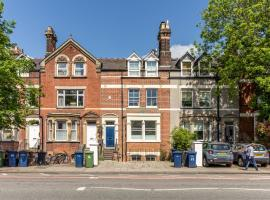 Beautiful 2-bedroom flat in a Victorian House