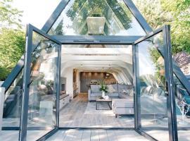 Glass Lodge, Crowan