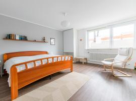 1 Private Single Room, 1 Double Room, 3 Persons (6609), Hannover (Anderten yakınında)