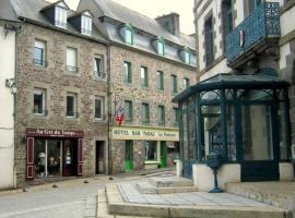 Gite : Grand studio centre-ville, Pontrieux (рядом с городом Ploëzal)