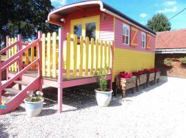 La roulotte du brise-cailloux, Vassonville (рядом с городом Calleville-les-Deux-Églises)