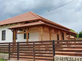 Tök-Éj Vendégház, Göncruszka (рядом с городом Szemere)