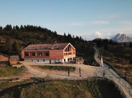 Starkenfeld-Hütte, Rodengo (Nær Luson)