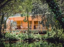 Lakeside Lodge, Фалмут (рядом с городом Константайн)