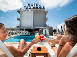 Hotel Taxiarhis, Лутра-Киллинис