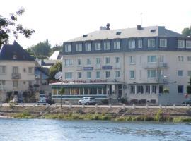 Inter-Hotel Montrichard Le Bellevue, Монришар (рядом с городом Faverolles-sur-Cher)