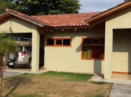 Casa Mount, Esterillos (Gloria yakınında)