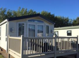 Beautiful 6 Berth Luxury Lodge, Port Seton (рядом с городом Коккензи)