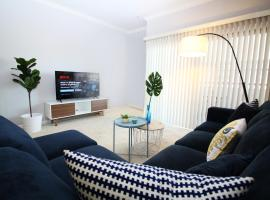 West Hollywood Deluxe Suite   2BR&2BT   Pool   Free Parking