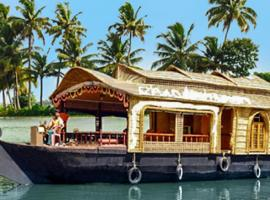Houseboat with chef services in Kottayam, by GuestHouser 32666, Kottayam (рядом с городом Manganam)