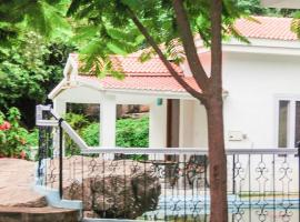 1-BR cottage in Banjara Hills, Hyderabad, by GuestHouser 4595