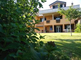 Casacricri, Mosciano Sant'Angelo (Montone yakınında)