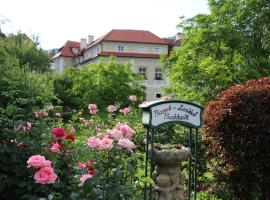 Barock-Landhof Burkhardt, Spitz