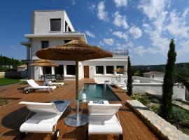 """Les Loges En Provence """"Villa 360"""""""