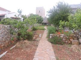 Angelina's Towerhouse, Pirgos Dhirou (рядом с городом Kambinára)