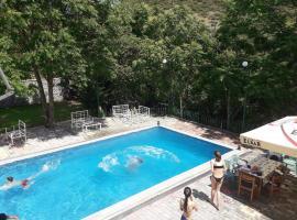 Hotel Aroma, Përmet (Çorovodë yakınında)