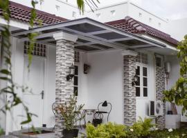 Guesthouse omah candi jogja dekat jogjabay, Джокьякарта (рядом с городом Depok)