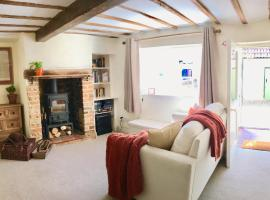Cute, Cosy & Convenient Country Cottage!, Haddenham (рядом с городом Long Crendon)
