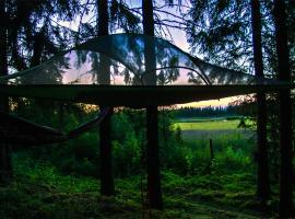 Tree Tent Kommee Kurki (Puumajoitus), Састамала (рядом с городом Murto)