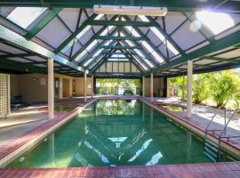 Ibis Deluxe Villa at Raffertys Resort, Cams Wharf
