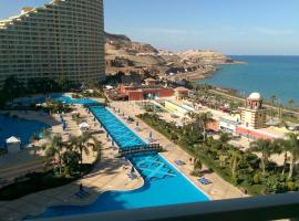 Apartment sea view in porto sukhna (Families only)