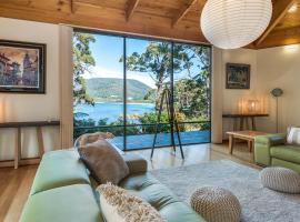 Osprey Lodge - Beachfront house plus bungalow, Eaglehawk Neck (Taranna yakınında)