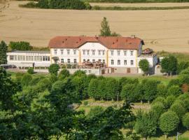 Parkhotel Český Šternberk, Český Šternberk (Kácov yakınında)