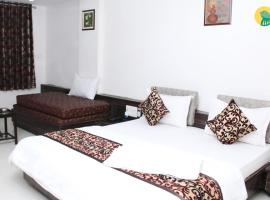 1 BR Guest house in Sarkhej, Ahmedabad (E419), by GuestHouser, Kāsandra (рядом с городом Nānodra)