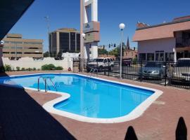 Santa Fe Inn - Pueblo