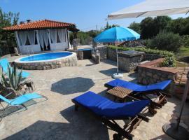 Villa Nana with Pool