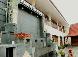 Amerta Giri Guest House, Wonosobo (рядом с городом Garung)
