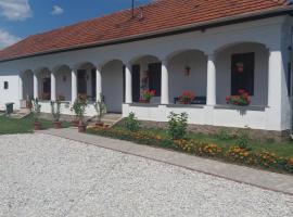 Heni Vendégháza, Vadna (рядом с городом Bánhorváti)