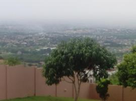 Peduasi Hills Vila, Afwerasi