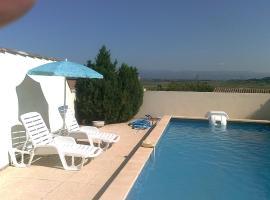Maison Antoinette villa avec piscine, Escales (рядом с городом Montbrun-des-Corbières)