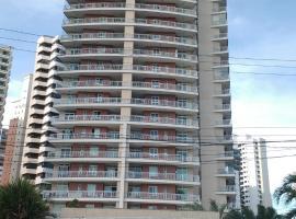 Apartamento Temporada, 3 suites no bairro Coco
