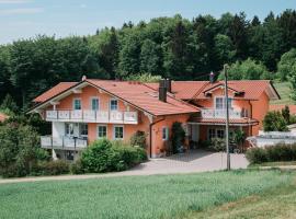 Ferienwohnung Donaublick, Rettenbach (Wörth an der Donau yakınında)