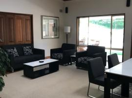 Wamberal family stay, Wamberal