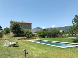 villa avec piscine, Peri