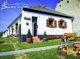 Bakonyi Kis-Lak, Bakonykoppány (рядом с городом Fenyőfő)