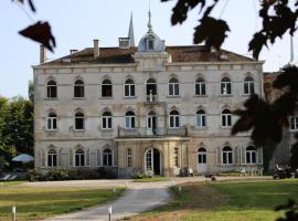Château de Taravisée Chambres D'hotes, Fosses-La-Ville (Auvelais yakınında)