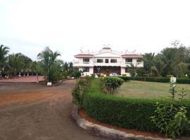 Aqdas farm, Manor