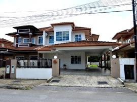 Kuching City Luxury cozy Semi-D