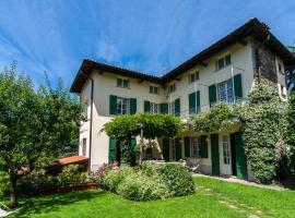 Villa Vezzo, Vezzo