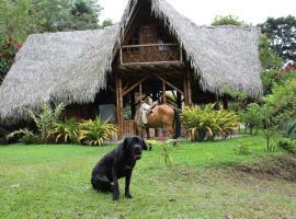 Herminia´S Farm, Pacto (Galápagos yakınında)