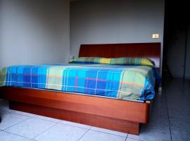 Alexander Appartament, Casorate Primo (Rosate yakınında)