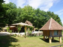tikal-nature grand lodge, Clermont-de-Beauregard (рядом с городом Fouleix)