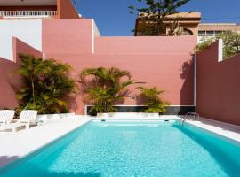 Live Santa Cruz House, Santa Cruz de Tenerife (La Cuesta yakınında)