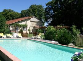 Villa Le Claud, Saint-Laurent-des-Hommes