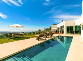 Contemporan House with Pool