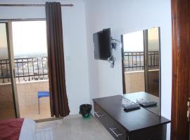 weekend hotel, Akabe (Khashm al Qatrah yakınında)